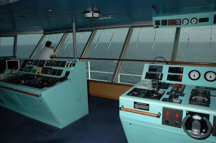 ship-894814_1920