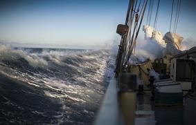 Tormenta-y-antiguo-buque-ch