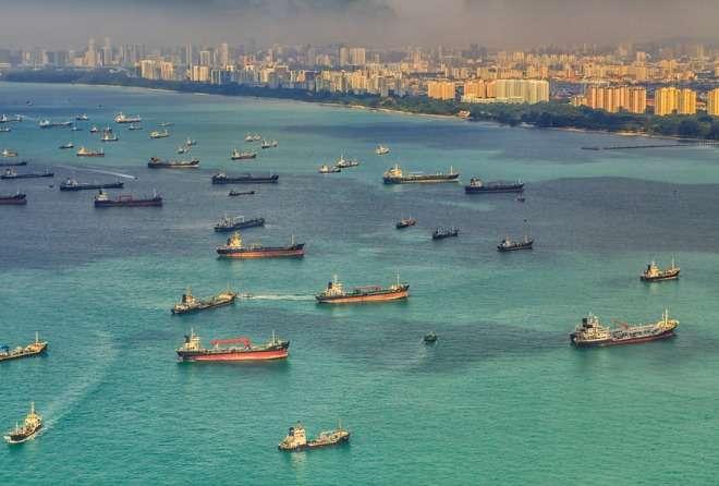 cargo_ships_singapore.jpg_660_446_60